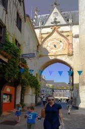Auxerre Tour de l'Horloge astronomique coté Ouest
