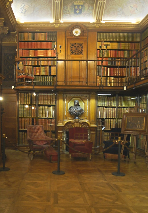 Château Chantilly, Le coin lecture de la bibliothèque