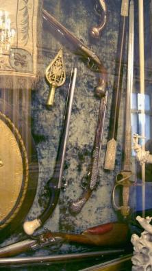 Château de Chantilly - Salle des actions du grand Condé - Armes anciennes